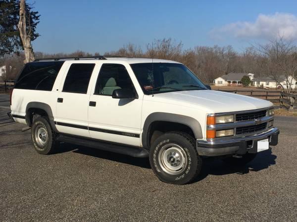 Photo 1996 Chevy Diesel Suburban 4x4 169K - $4500 (Annapolis)
