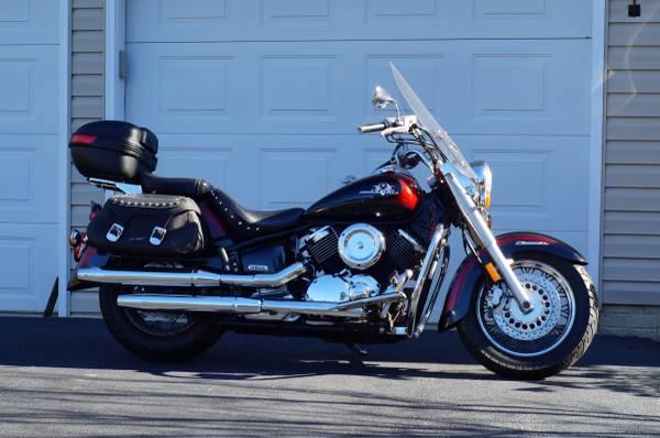 Photo 2002 Yamaha V-Star 1100 Classic Silverado - $1,750 (Hollywood)