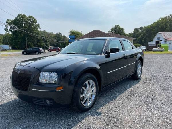 Photo 2007 Chrysler 300- V6 1 Owner, Clean Carfax, Sunroof, Heated Leather - $7,495 (Dagsboro. WARRANTY INCLUDED.)