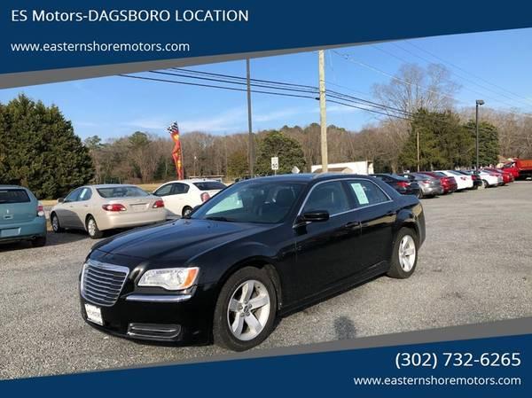 Photo 2013 Chrysler 300- V6 Clean Carfax, Heated Leather, All Power, Books - $10695 (Dagsboro. WARRANTY INCLUDED.)