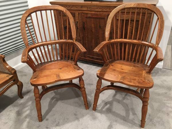 Photo Antique Heart Pine English Sack Back Windsor Arm Chair 17th Century - $475