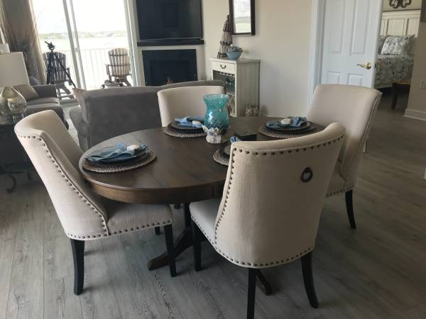 Photo Beautiful Pier 1 Dining Chairs - $300 (Perry Hall)