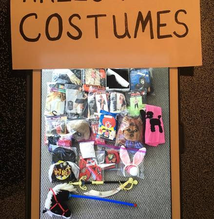 Photo COSTUMES - $40 (Ocean City, MD)