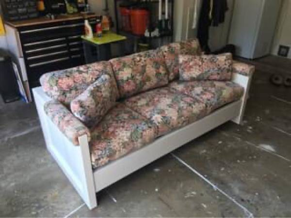 Photo Cargo This End Up Sofa - $125 (Ocean City)