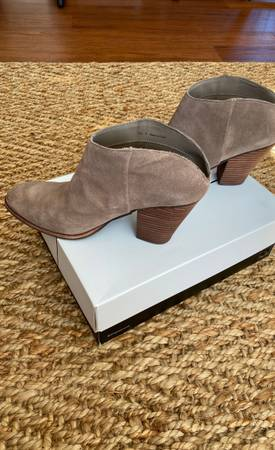 Photo Dolce vita tan suede boots - $60 (Fruitland)