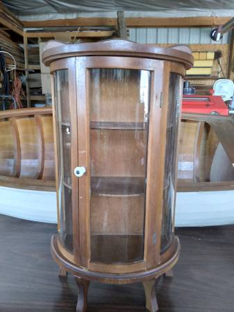 Photo Glass Dome front small cabinet - $40 (hurlock)