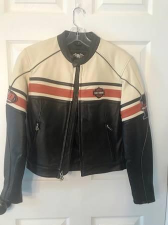 Photo Harley Davidson Womens Leather Jacket - $225 (Stevensville)