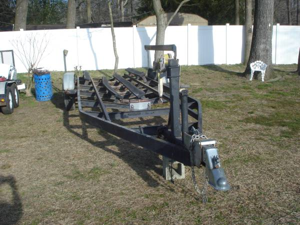 Photo Heavy Duty Tandem Axle Bunk Trailer - Up to 2739 boat - $2,400 (Frankford)
