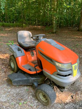 Photo Husqvarna lawn mower - $150 (Preston)