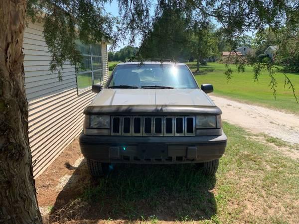 Photo Jeep Grand Cherokee Laredo 1995 - $3500 (Princess Anne)