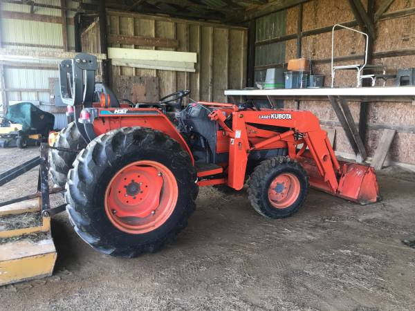 Photo Kubota Tractor and Implements - $15,000 (Preston)