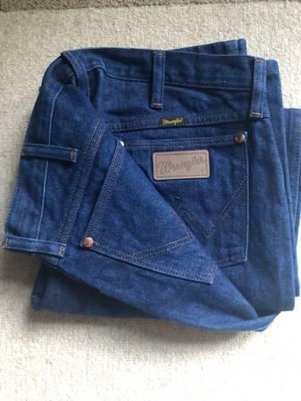 Photo NEW wrangler blue jeans 36 x 31 - $15 (Falls ChurchChantilly VA)