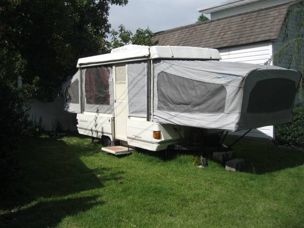 Photo POP UP CAMPER - $1,500 (VINELAND)