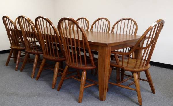 Photo Solid Oak Table and 10 chairs dining - $1,999 (Eastern Shore,Maryland)