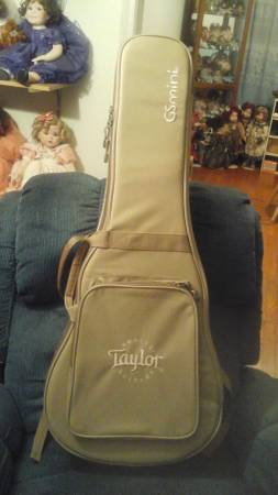 Photo Taylor GS Mini Guitar Case - $50 (Easton, Md)