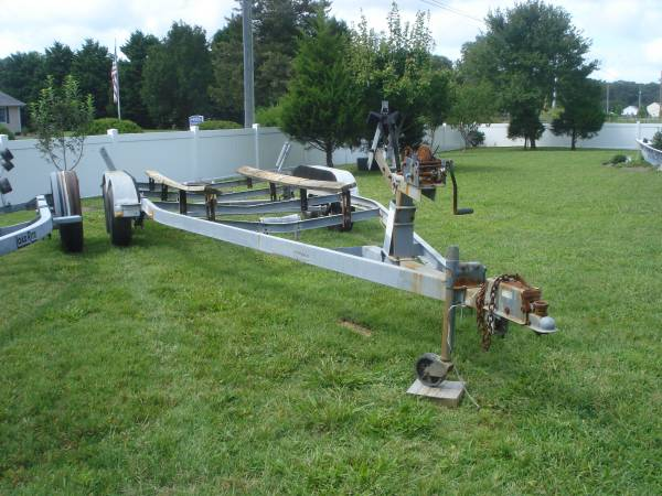 Photo Titled Shoreline Galvanized Tandem Bunk Trailer-Up to 2539 Boat - $1,500 (frankford)