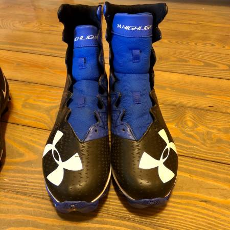 Photo Under Armour and Nike football cleats, sz 10  11 - $45 (Berlin)