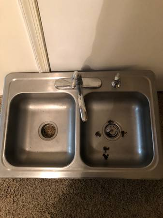 Photo Used Double Bowl Stainless Sink w  Moen Faucet - $20 (Ocean City)