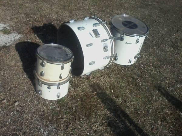 Photo Vintage Rogers 4 piece Drums - $399 (Preston, MD)