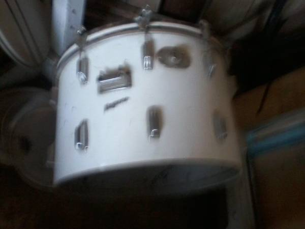 Photo Vintage Rogers 4 piece drum set - $400 (Preston, MD)