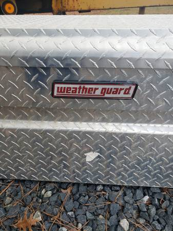 Photo Weather guard diamond plate tool box - $275 (Easton)