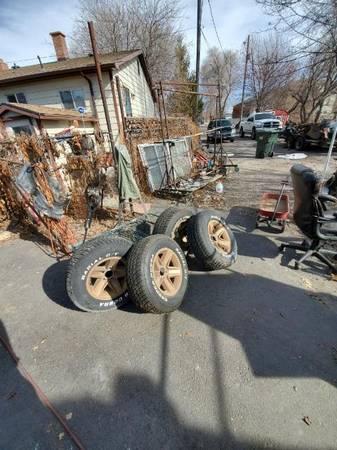 Photo 1979 Camaro wheels IROC - $750 (POCATELLO)