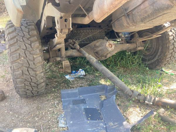 Photo 1997 toyota T100 rear axle assembly - $600 (Moreland)