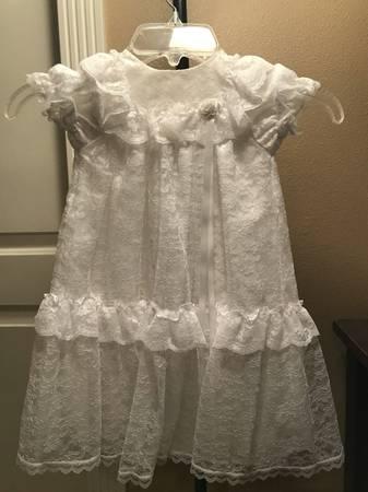 Photo BABY GIRL BLESSINGCHRISTENING DRESS, BONNET  BLANKET - $15 (POCATELLO)