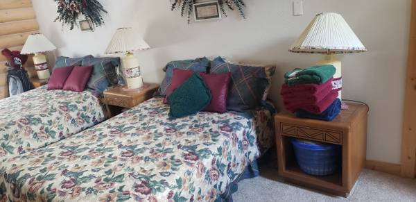 Photo Complete Full  Double XL size Bed - $80 (Rexburg)