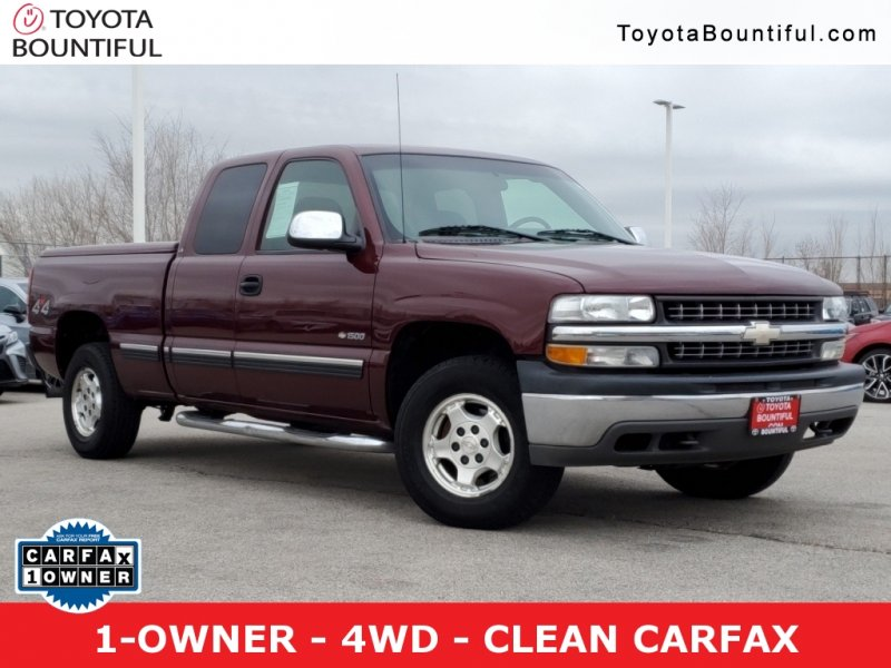 Photo Used 2002 Chevrolet Silverado 1500 4x4 Extended Cab for sale