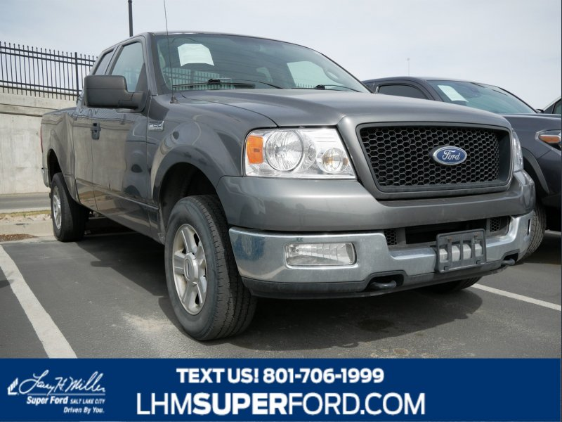Photo Used 2004 Ford F150 XLT for sale
