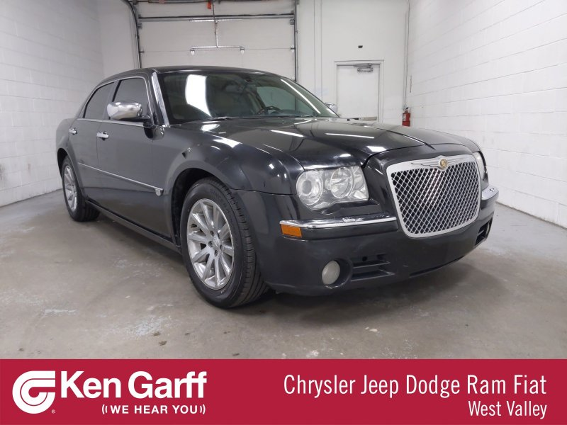 Photo Used 2005 Chrysler 300 C for sale