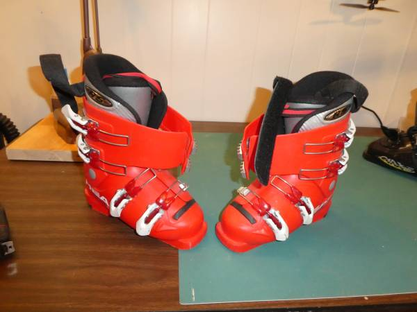 Photo Used Ski boots - $30 (Pocatello)