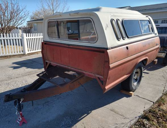 Photo Utility trailer  Ford Long Bed wtopper - $400 (Blackfoot)