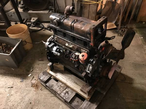 Photo 1972 Ford Tractor and industrial motor - $1350 (Cumberland)