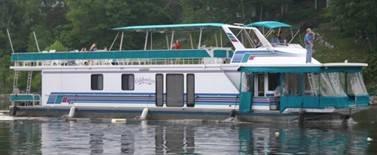 Photo 1999 16 X 78 WideBody Sumerset Houseboat - $235,000 (Lancaster, KY - Herrington Lake Marina)