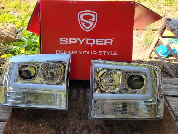 Photo 2001-2003 ford f250f350excursion led head light assembly - $125 (Sandy Hook)