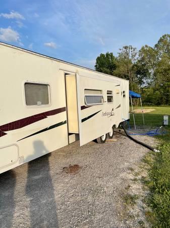 Photo 2006 RV Starcraft travel trailer - $7,000 (North Charlestn)