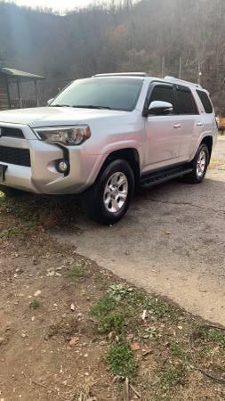 Photo 2015 Toyota 4Runner - $24,000 (Martin)