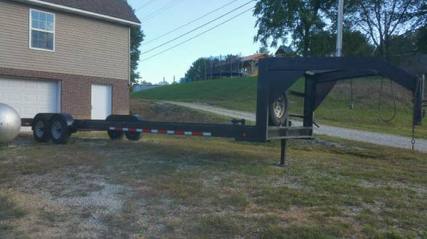 Photo 34 ft. Gooseneck 2-Car Trailer - $4,500 (Corbin, KY)