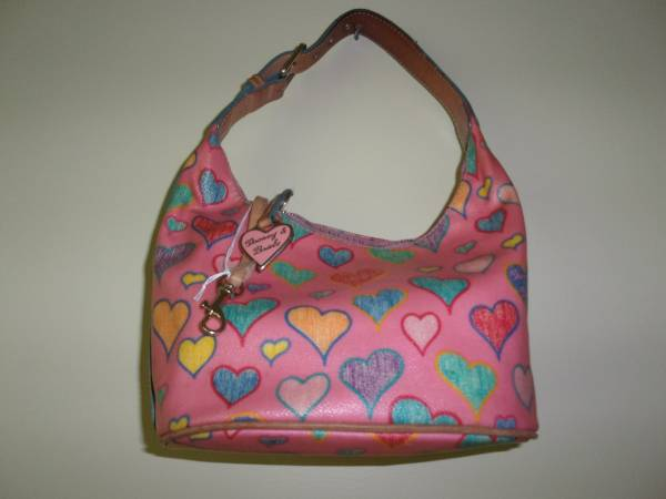 Photo Dooney and Bourke Heart Purse - $25 (London, KY)