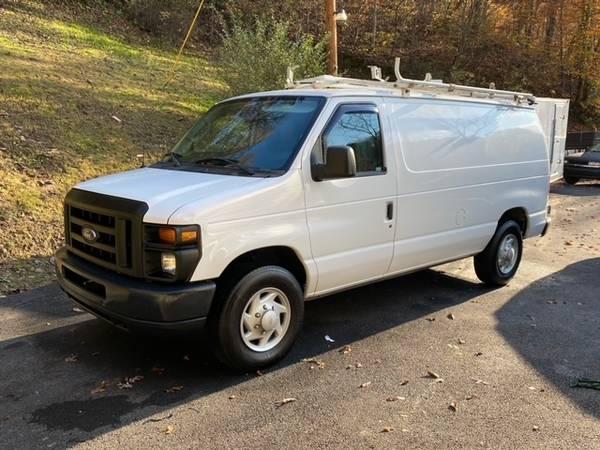 Photo Ford E-150 Cargo Van - $7,500
