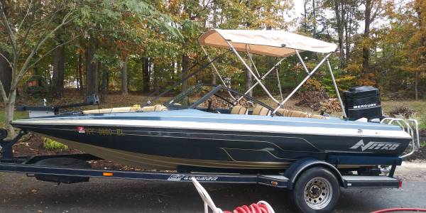 Photo Nitro Bass Boat 5 Seater - $4000 (Nancy KY)