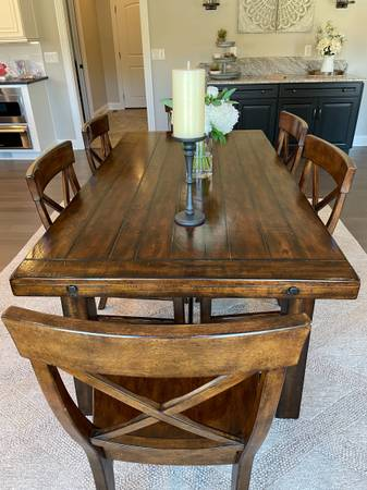 Photo Pottery Barn Benchwright Table  6 Pottery Barn Aaron chairs - $2,500 (Vanceburg)