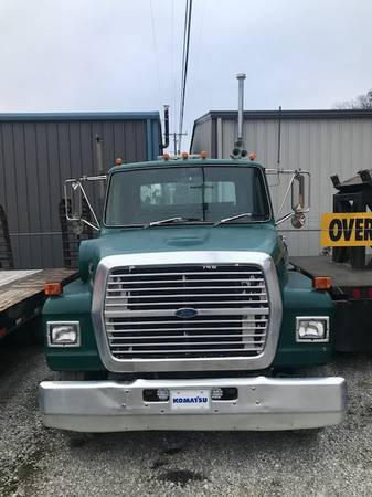 Photo Used Service Truck - 1988 Ford Diesel - $18,000 (Stanville)