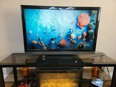 Photo Vizio 47quot LCD Smart TV with Theater 3D - $250 (Berea)