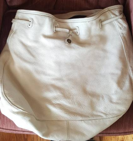 Photo White LARGE leather Hobo Bag 1969 Gap Jeans - $45 (SURGOINSVILLE)