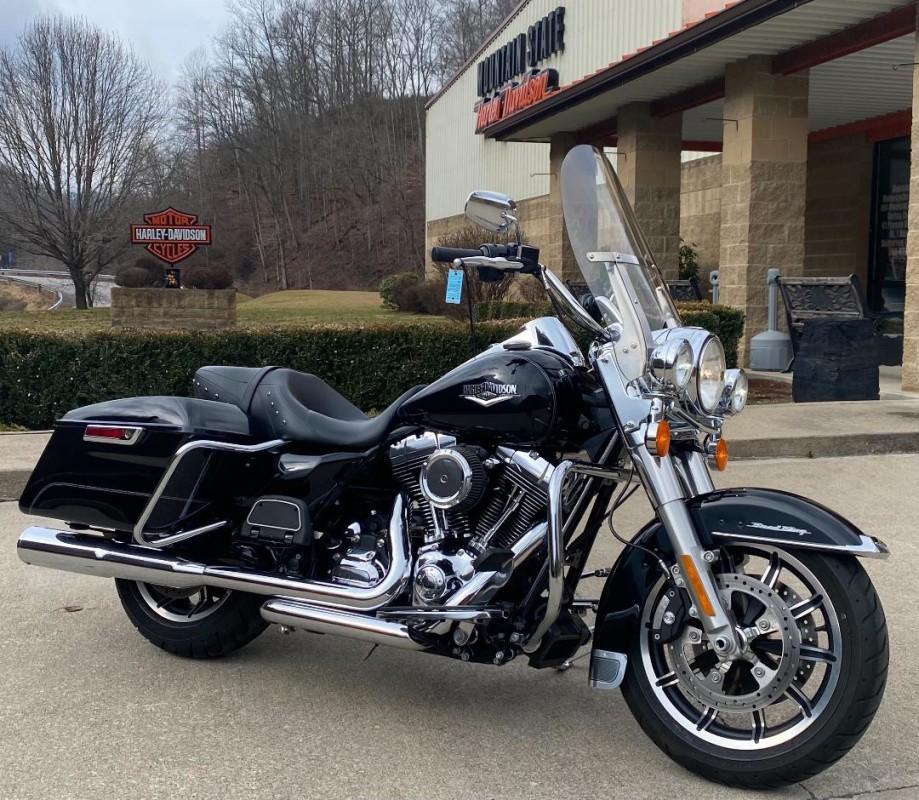 Photo 2016 Harley-Davidson Road King $17999