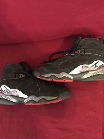 Photo vintage Air Jordans retro 8 playoff shoes - $65 (Richmond)