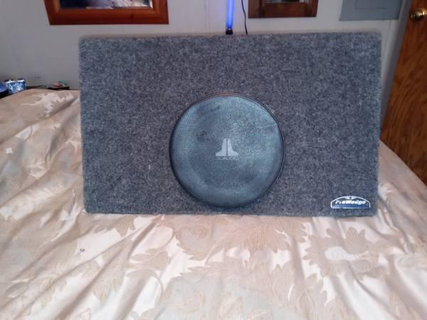 Photo 10quot jl audio sub in sealed powerwedge box - $90 (Goldsboro)